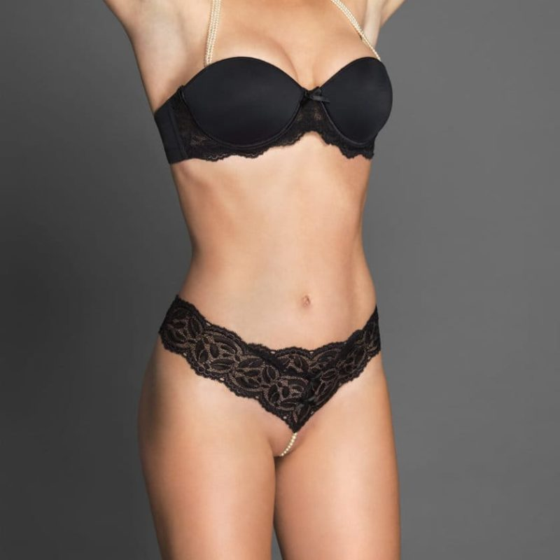 Bracli-classic-thong-black-model-front-perlita-uk