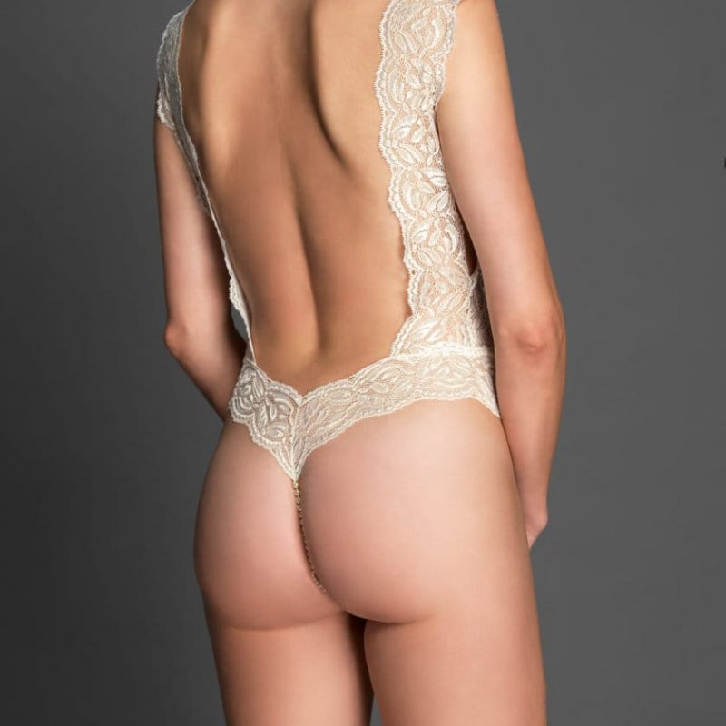 bracli-body-your-night-ivory-model-back-view