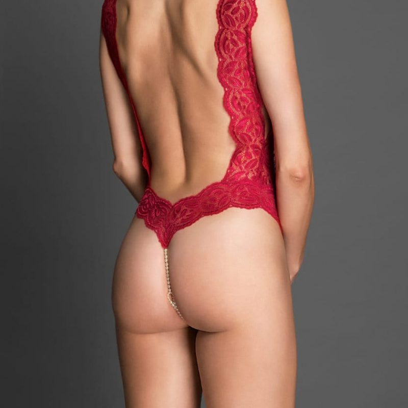 bracli-body-your-night-red-model-back-view