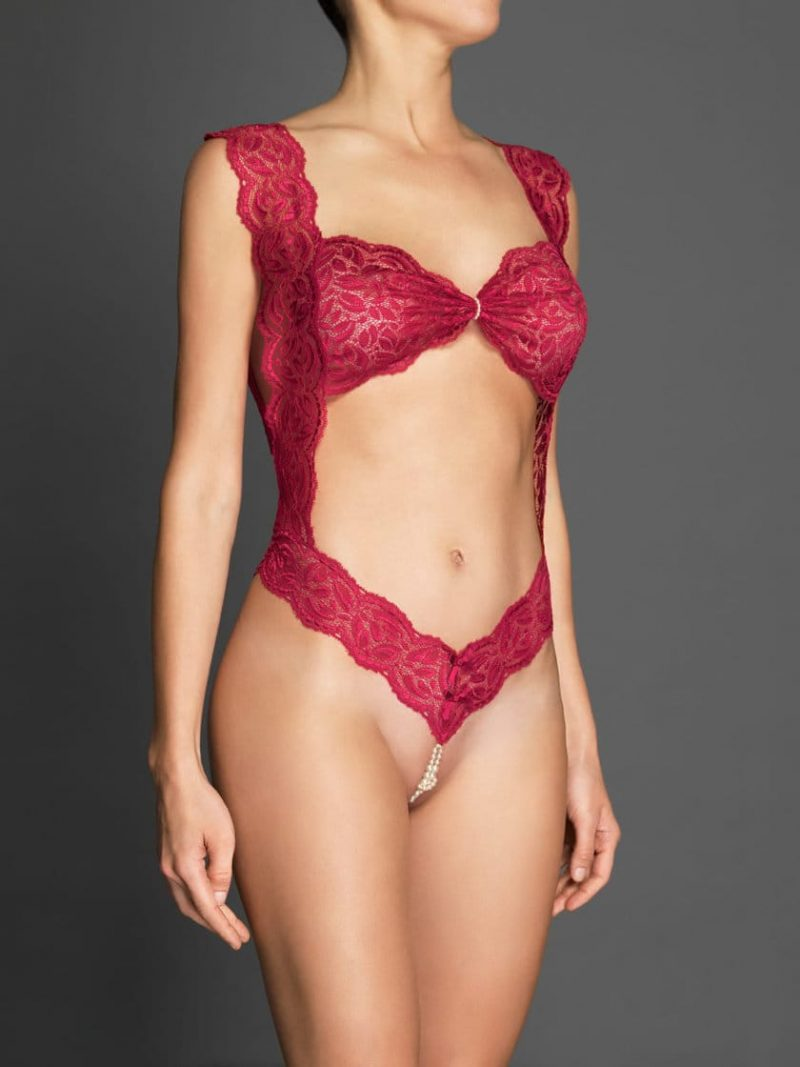bracli-body-your-night-red-model-back-perlita-uk