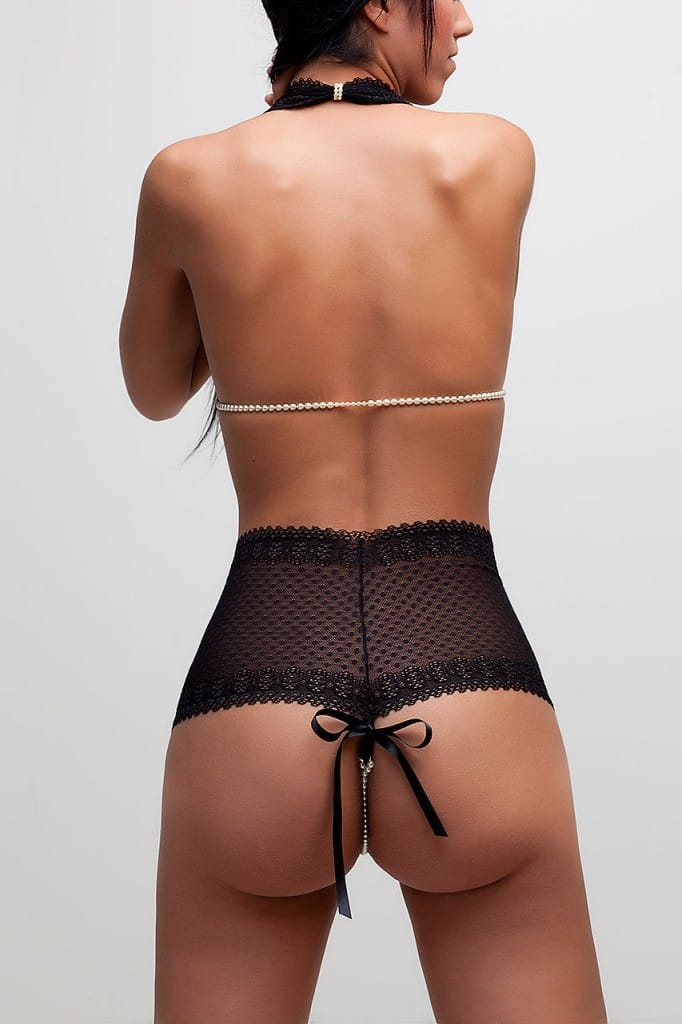 bracli-g-bra-black-model-back-view