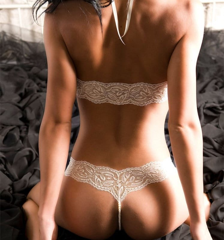 bracli-halter-top-ivory-model-rear-view
