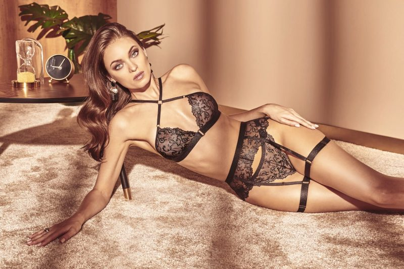 bracli-vienna-crossed-bra-model-lying-down-front-view2