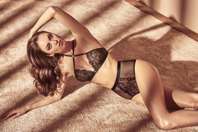 bracli-vienna-high-waist-brief-model-lounging-on-carpet-perlita-uk